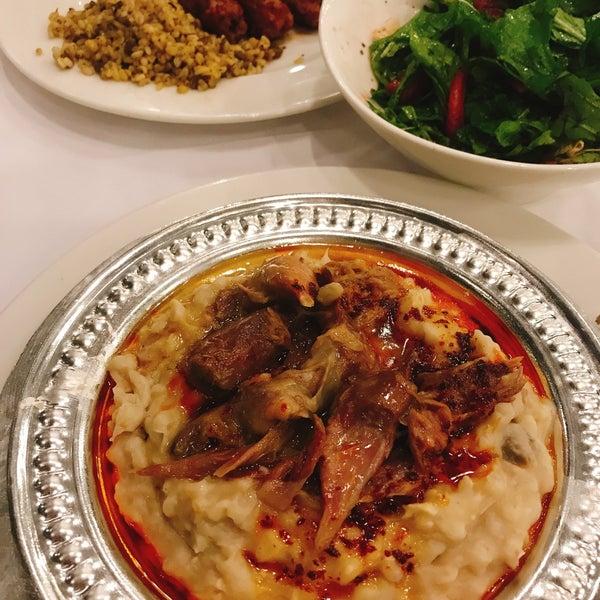 Das Foto wurde bei Seraf Restaurant von Yelda Y. am 9/15/2019 aufgenommen