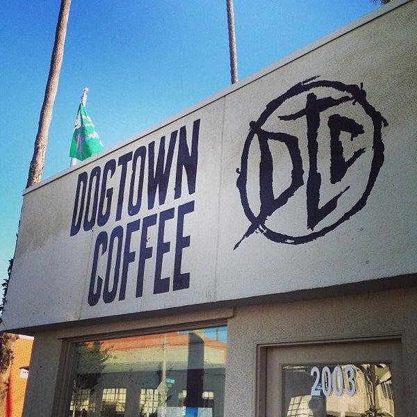 Foto tirada no(a) Dogtown Coffee por Wendy F. em 9/24/2013