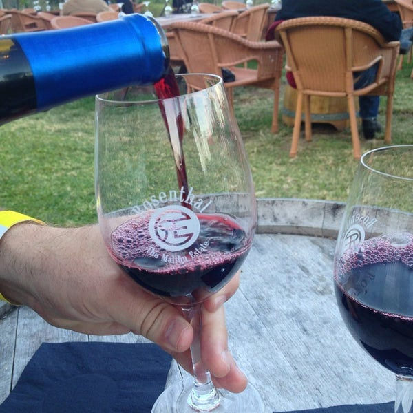 Photo prise au Rosenthal Wine Bar & Patio par Wendy F. le6/16/2013