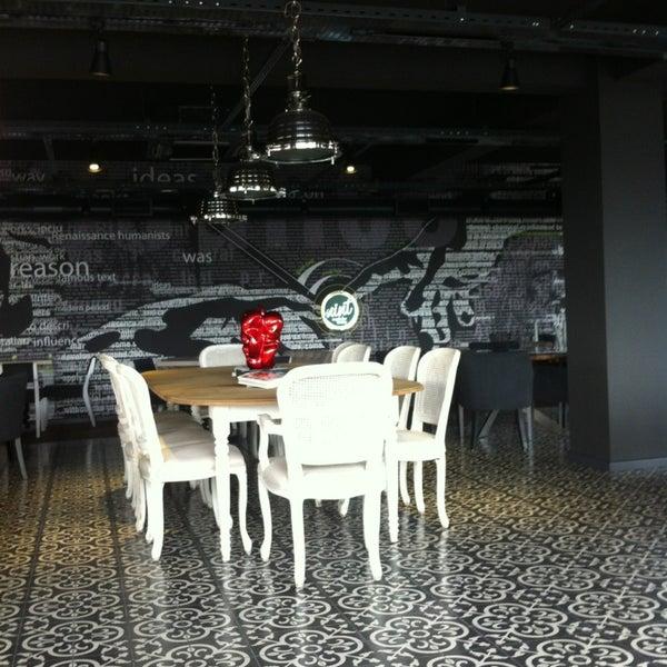 12/20/2012 tarihinde Burak E.ziyaretçi tarafından Mint Restaurant & Bar'de çekilen fotoğraf