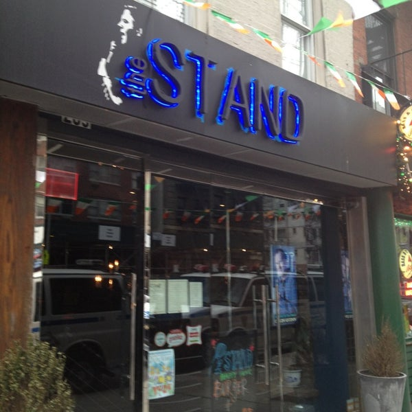 3/15/2013에 Roberto T.님이 The Stand Restaurant & Comedy Club에서 찍은 사진