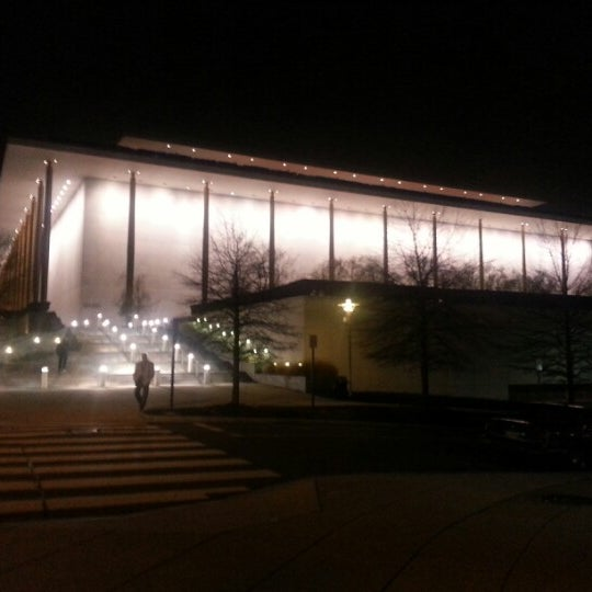 Снимок сделан в The John F. Kennedy Center for the Performing Arts пользователем JR R. 12/25/2012