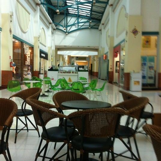 รูปภาพถ่ายที่ Shopping Iguatemi โดย Rodrigo C. เมื่อ 10/19/2012