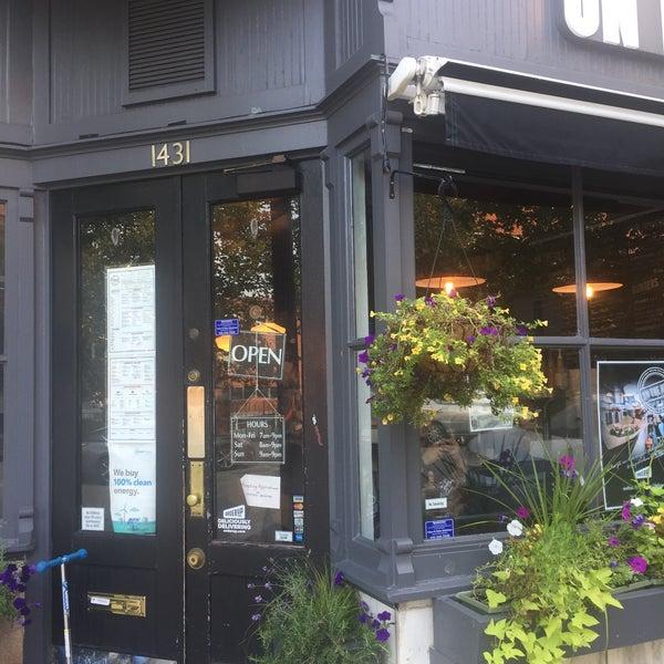 Foto diambil di On the Hill Cafe oleh Patrick P. pada 8/16/2017