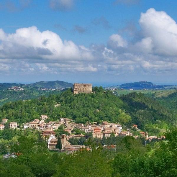 Das Foto wurde bei Castello di Zavattarello von Castello di Zavattarello am 4/19/2014 aufgenommen
