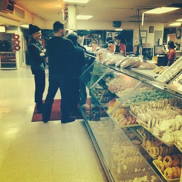 Снимок сделан в La Mexicana Bakery пользователем Brandon J. 2/2/2014