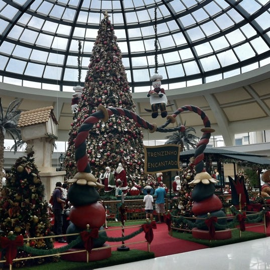 Foto scattata a Shopping Iguatemi da Adriana R. il 12/26/2012