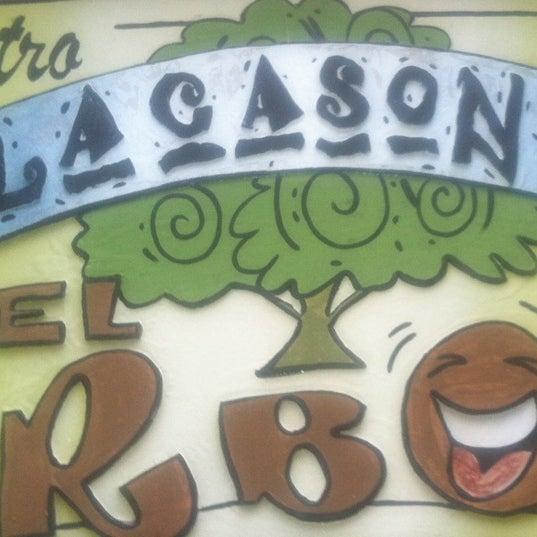 รูปภาพถ่ายที่ La Casona Del Arbol Teatro-Bar & Cocina Show Center โดย Raymundo R. เมื่อ 5/25/2014