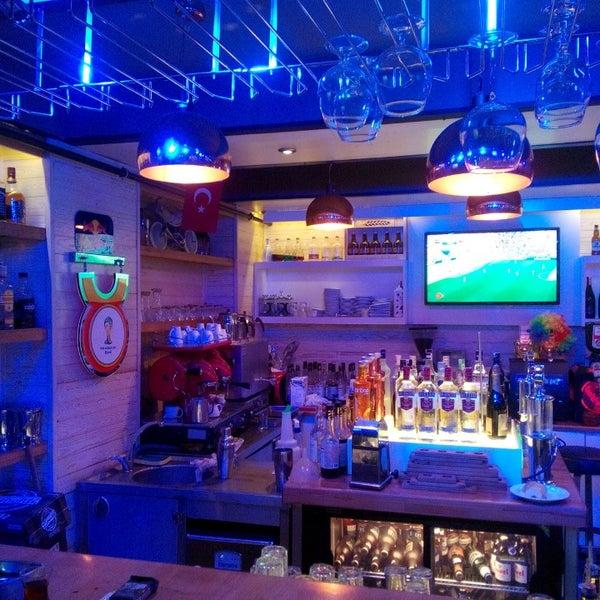 Foto diambil di Diesel Pub oleh Soner L. pada 6/23/2014