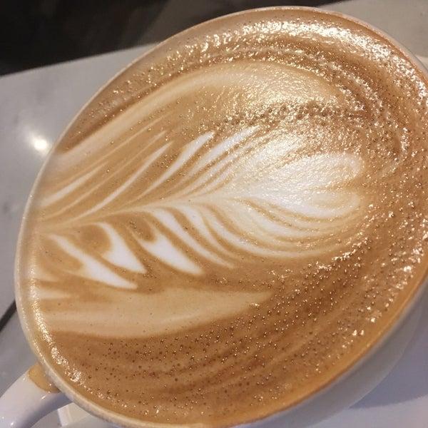 3/28/2017にJohn M.がTaszo Espresso Barで撮った写真