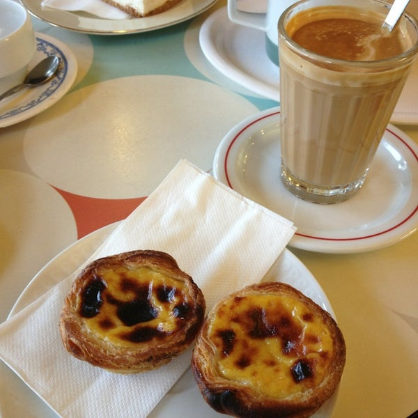 Pastel de Nata and Galao for the instant Lisbon feeling. So good!