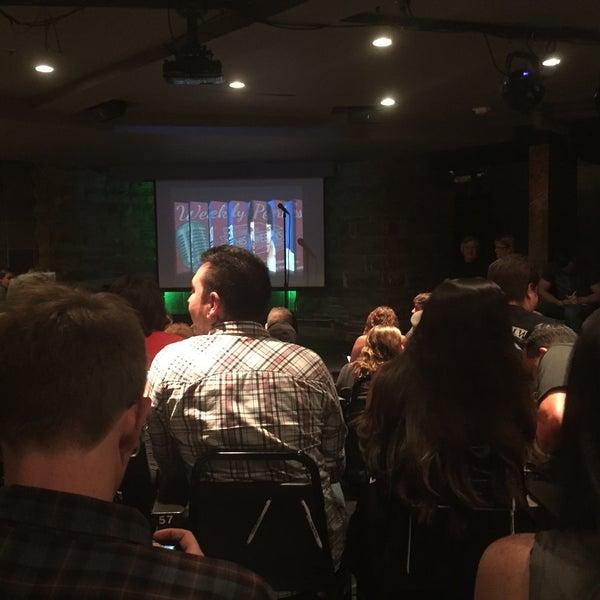8/12/2015 tarihinde Zak W.ziyaretçi tarafından Comedy Works Downtown in Larimer Square'de çekilen fotoğraf