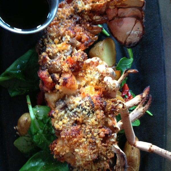Foto tirada no(a) Spike Africa's Fresh Fish Bar & Grill por Laura S. em 3/23/2013