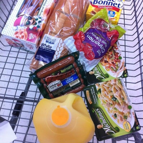 12/22/2012 tarihinde TWELVE AND TWO C.ziyaretçi tarafından Walmart'de çekilen fotoğraf