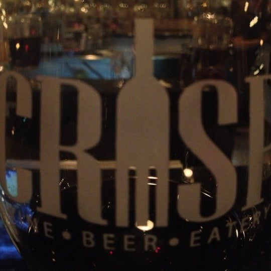 Photo prise au Crisp Wine-Beer-Eatery par Cüçûÿ le11/28/2012
