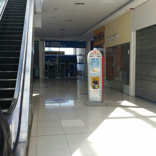 Foto tirada no(a) Costa Urbana Shopping por Carlos P. em 1/19/2016