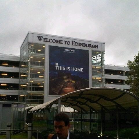 Das Foto wurde bei Edinburgh Airport (EDI) von Alberto S. am 9/25/2012 aufgenommen
