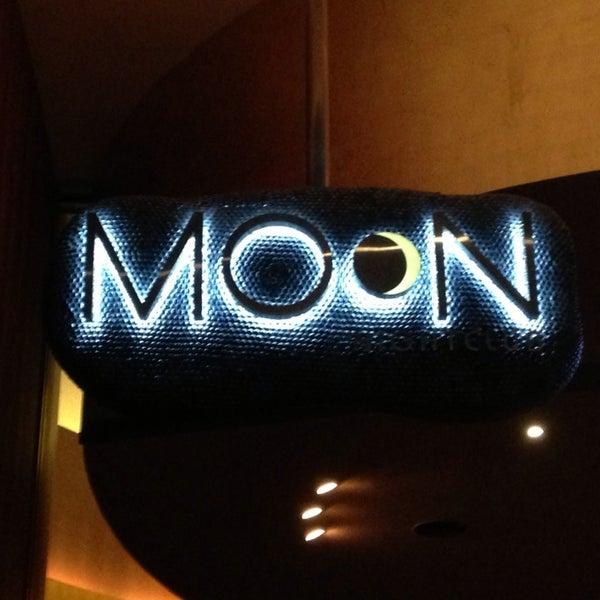 Photo prise au Moon Nightclub par Rachael C. le5/24/2013