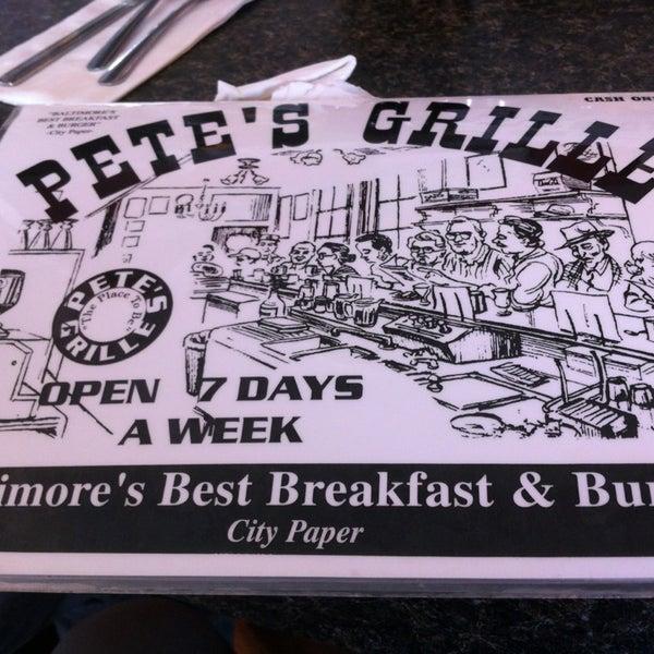 Foto tirada no(a) Pete's Grille por Jimmy J. em 10/14/2013