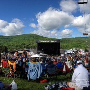 Das Foto wurde bei Mountain Jam von Jean C. am 6/7/2014 aufgenommen