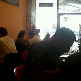 Foto tomada en Da Noi Pizzeria Ristorante por Ken C. el 9/24/2012