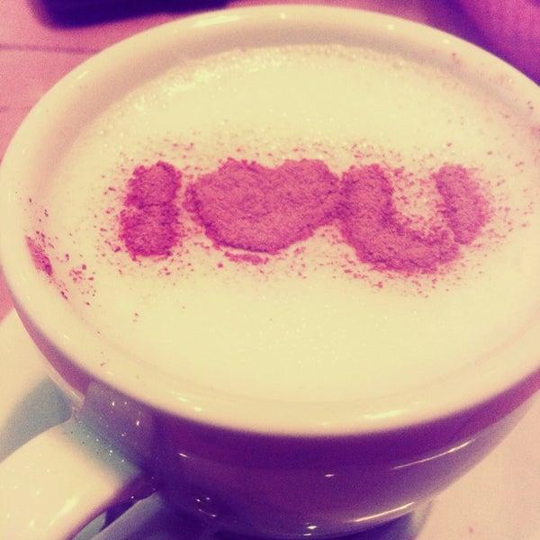 Снимок сделан в Life Station пользователем Aynur D. 11/28/2014