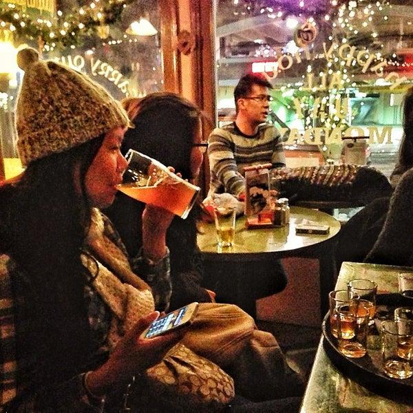 Foto tomada en Arbor Brewing Company por Jim R. el 12/31/2012