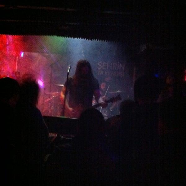 Foto tirada no(a) Dorock Heavy Metal Club por Tolga T. em 12/29/2012