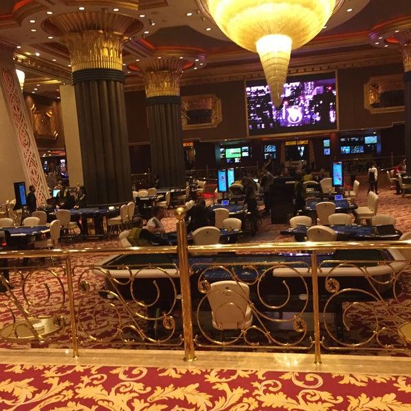 รูปภาพถ่ายที่ Cratos Premium Hotel & Casino โดย Gürkay A. เมื่อ 5/4/2015