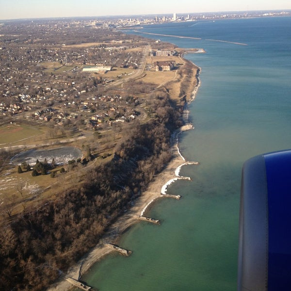 Foto tirada no(a) General Mitchell International Airport (MKE) por Ryan H. em 1/9/2013