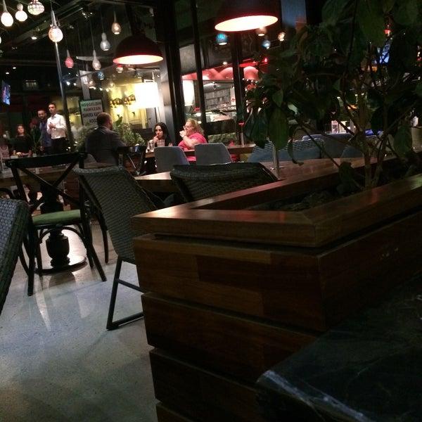 Photo prise au Cafe Locale İstanbul par Ceren A. le6/29/2015