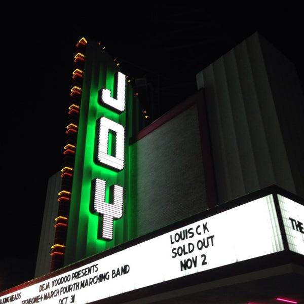รูปภาพถ่ายที่ The Joy Theater โดย Pamela F. เมื่อ 11/3/2014