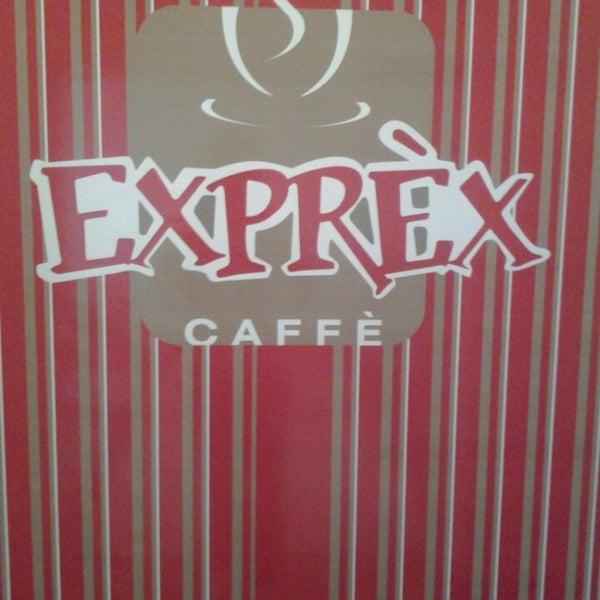 รูปภาพถ่ายที่ Exprèx Caffè โดย Bruno P. เมื่อ 5/23/2013
