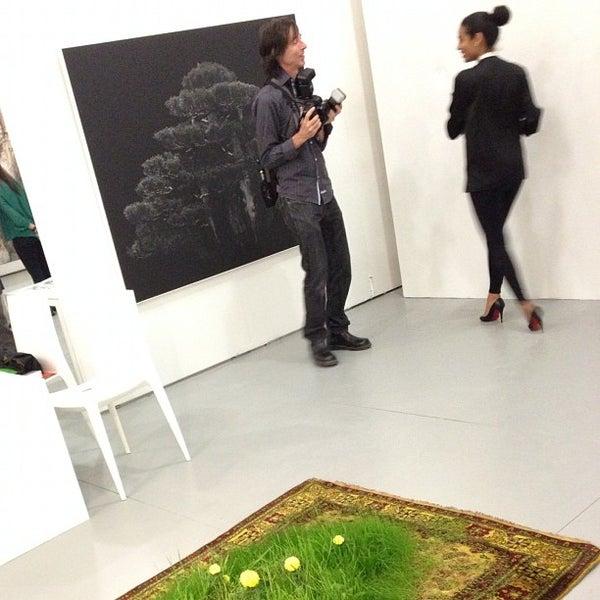 Foto scattata a UNTITLED. Art Fair da Christopher C. il 12/3/2012