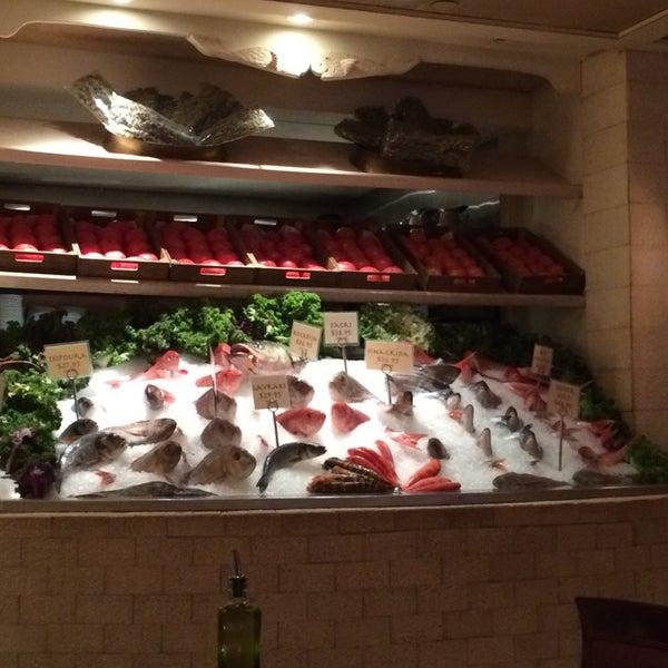 8/1/2014에 Dmytro S.님이 Kellari Taverna에서 찍은 사진