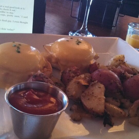 Foto tirada no(a) Mo's Restaurant por Douglas R. em 3/10/2013