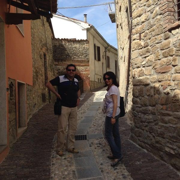 Das Foto wurde bei Castello di Zavattarello von Dario B. am 6/14/2014 aufgenommen
