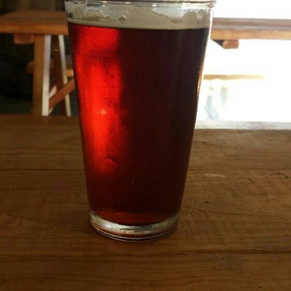 Foto tomada en Beach City Brewery por Mehgan J. el 9/29/2014