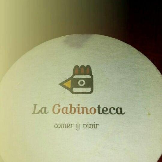 Снимок сделан в La Gabinoteca пользователем Raquel C. 11/15/2012