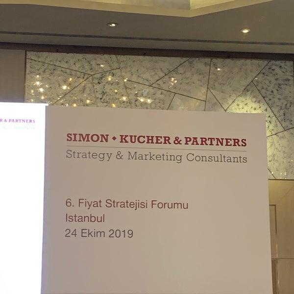 Foto diambil di Raffles Istanbul Zorlu Center oleh Harun Ç. pada 10/24/2019