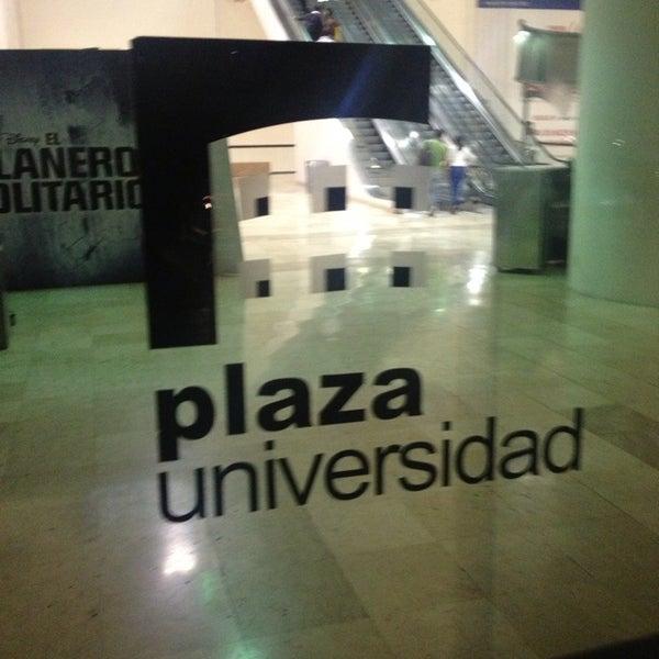 Снимок сделан в Plaza Universidad пользователем R@Y 7/23/2013