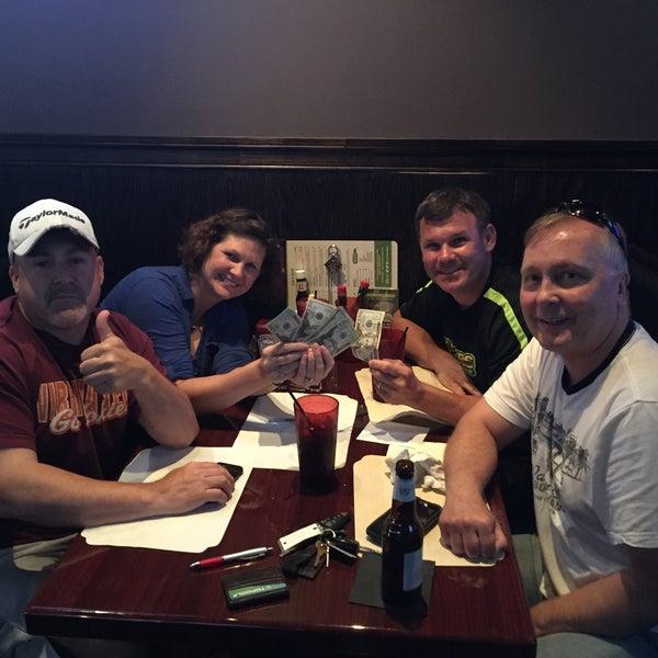 Das Foto wurde bei Ashburn Pub von Gina T. am 6/29/2016 aufgenommen