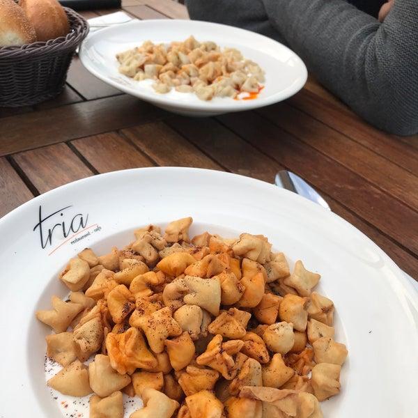 Foto tomada en Tria Restaurant Cafe por Sedat A. el 11/20/2017