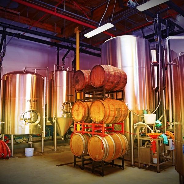 Foto tomada en Beach City Brewery por Beach City Brewery el 10/27/2014