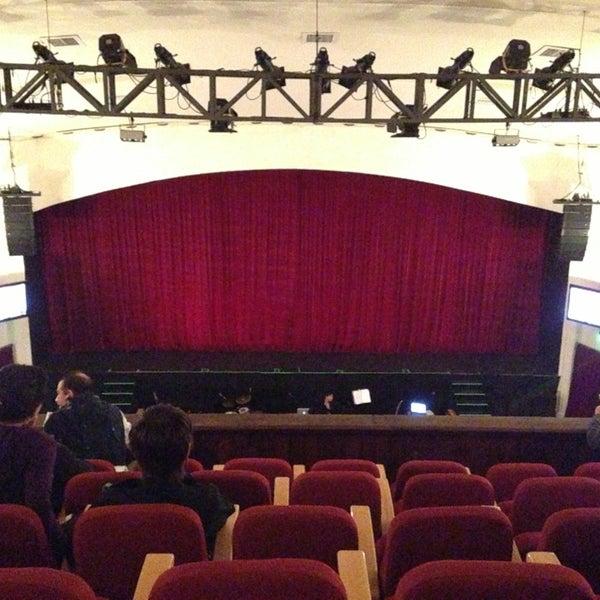 Foto diambil di Teatro Nescafé de las Artes oleh Matías Q. pada 3/30/2013
