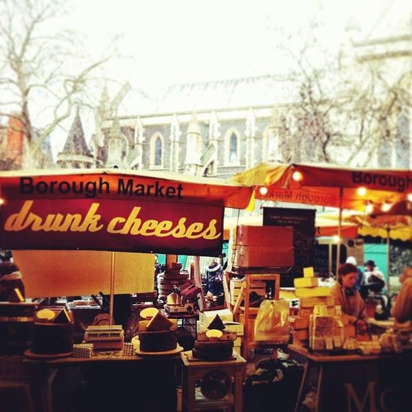 Foto tirada no(a) Borough Market por Amanda F. em 12/30/2012
