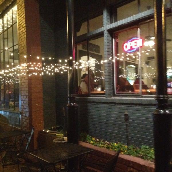 2/15/2014にLouie I.がGrant Central Pizza & Pastaで撮った写真