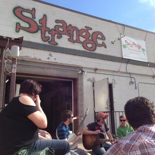 Das Foto wurde bei Strange Craft Beer Company von Pat M. am 5/19/2013 aufgenommen