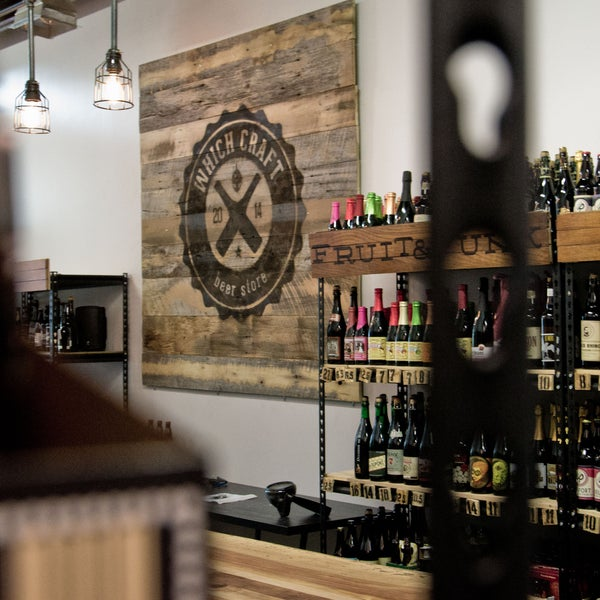 Das Foto wurde bei WhichCraft Beer Store von WhichCraft Beer Store am 6/13/2014 aufgenommen