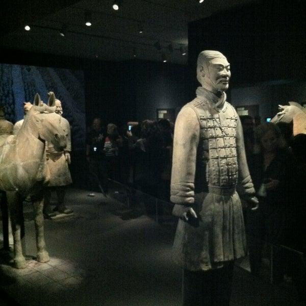 4/27/2013 tarihinde Buckleyziyaretçi tarafından Asian Art Museum'de çekilen fotoğraf